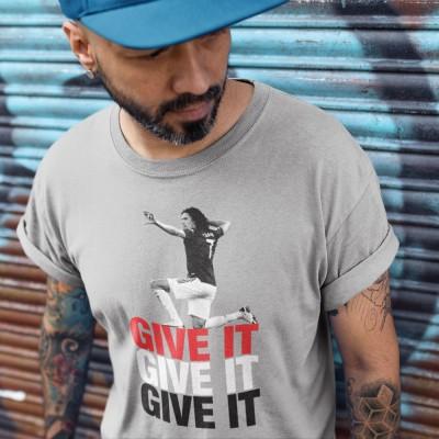 "Edinson Cavani ""Give It"""