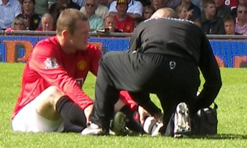 Rooney 'embarrassed' at United